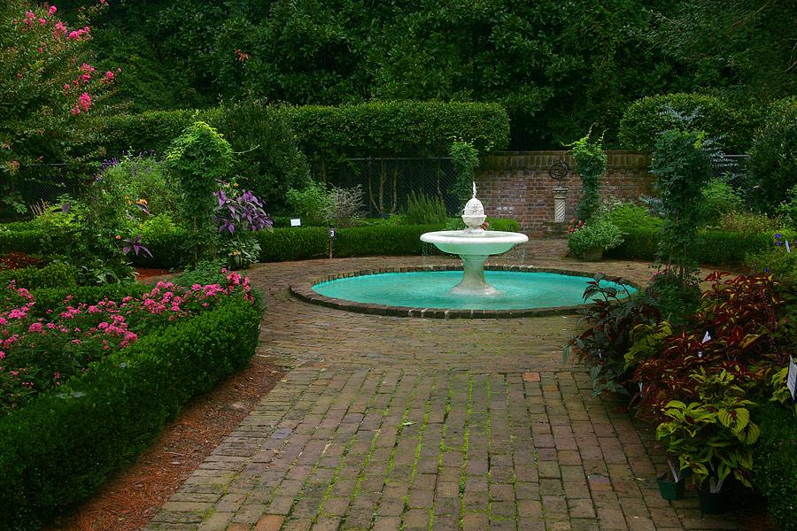 Giardiniere a milano progettazione giardini milano for Giardinieri verona